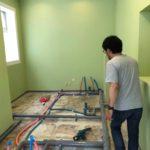 2Fペンキ塗り終了。水道配管工事など。新会堂DIY記6