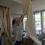 1階礼拝堂エリアの壁紙をはがす!新会堂DIY記11
